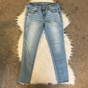 79a3ee6ca91c52 American Eagle Outfitters. American Eagle jegging skinny jeans embroidered
